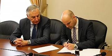 Potpisani ugovori o [...]